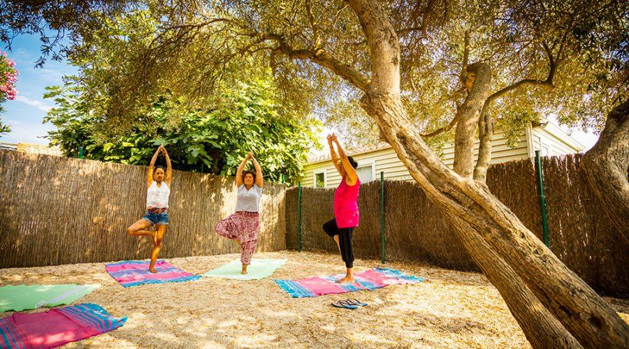 Camping Le Mas Des Lavandes : Activite Sport Yoga