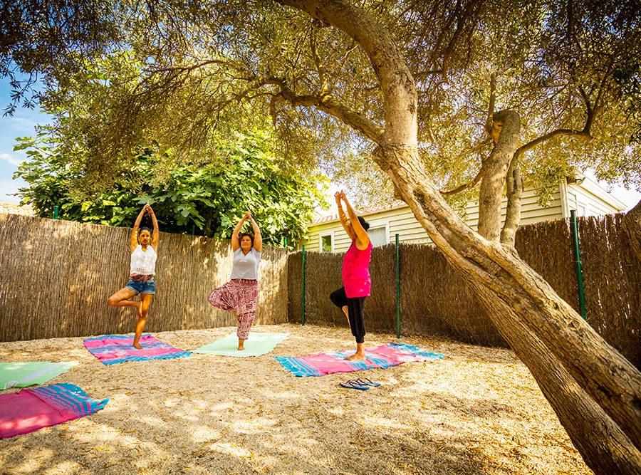 Mas Des Lavandes Campsite: Sports Activity Yoga