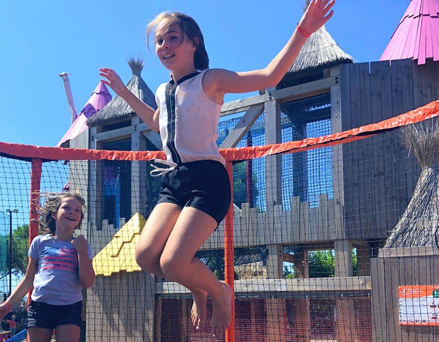 Camping Le Mas Des Lavandes: Activiteiten Kinderen Trampoline