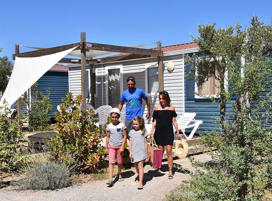 Mas Des Lavandes Campsite: Campsite Mobile Home
