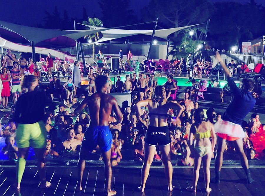 Mas Des Lavandes Campsite: Campsite Evening Activity