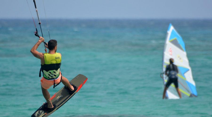 Camping Le Mas Des Lavandes : Kite Surf En Mer à valras plage