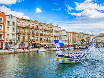 Mas Des Lavandes Campsite: Water Jousting in Sète